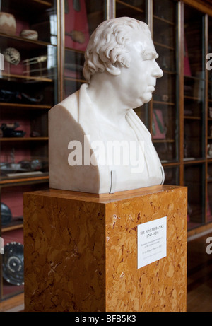 Marble bust of Sir Joseph Banks (1743-1820) botanist, trustee and benefactor of the British Museum, London WC1, - Stock Photo
