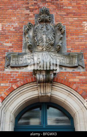 Wappen am Eingang zum ehemaligen Preussischen Amtsgericht, Finanzamt in Quakenbrueck, Artland, Oldenburger Muensterland, - Stock Photo