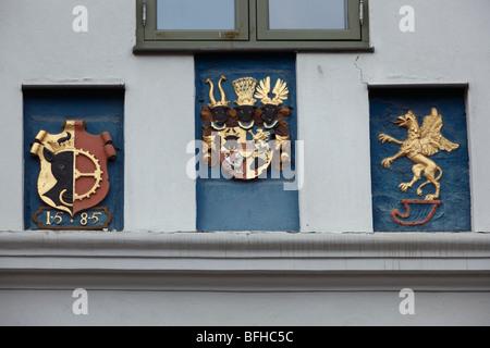 Wappen ueber dem Hauptportal des Alten Rathauses in Grevesmuehlen, Nordwestmecklenburg, Mecklenburg-Vorpommern - Stock Photo