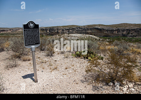 Site of Judge Roy Bean's 1896 prizefight between James Fitzsimmons and Peter Maher in the Rio Grande Langtry Texas - Stock Photo
