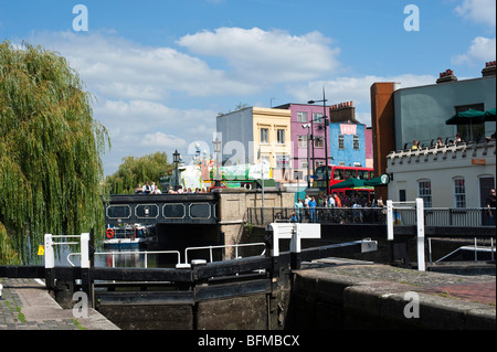 The Hampstead Road lock on the Regent's Canal, Camden Town, London - Stock Photo