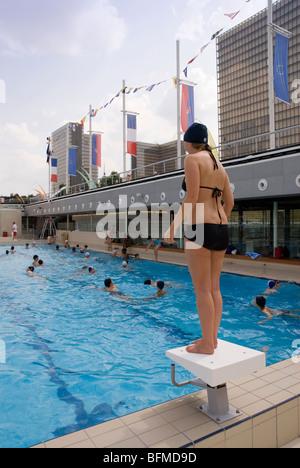 France paris josephine baker swimming pool across from for Josephine baker pool paris france
