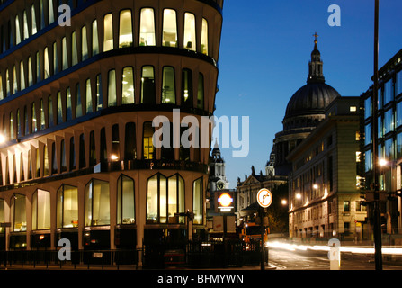 England, London. London St. Paul's Cathedral at dusk seen from Mansion House. - Stock Photo