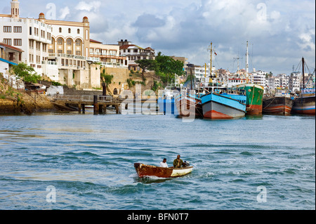 Kenya, Mombasa. The water front of the old dhow harbour in Mombasa  now used by shallow-drafted vessels for coastal - Stock Photo