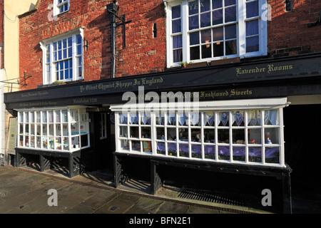 Ye Oldest Chemist Shoppe in England, Market Place, Knaresborough, North Yorkshire, England, UK. - Stock Photo