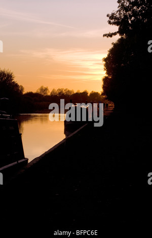 Kennet and Avon Canal - Stock Photo