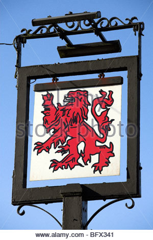 Red Lion pub sign, in Baydon village, Wiltshire, England - Stock Photo