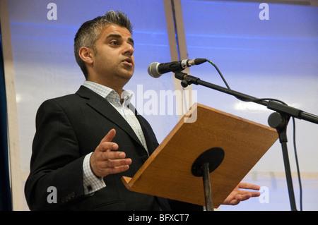 Tooting Labour MP Sadiq Khan at Eid Milad-Un-Nabi Celebrations at Sunni Muslim Association, Tooting, London. - Stock Photo