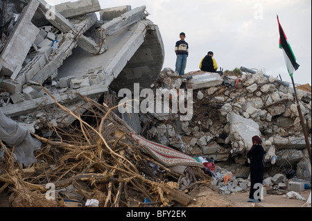 Bombed out house in the northern Gaza strip after the 2009 Israel war. - Stock Photo