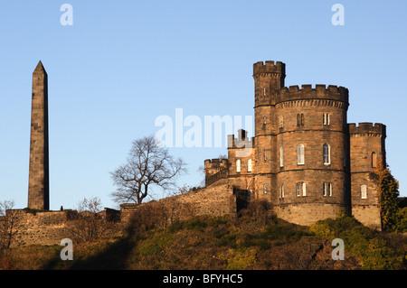 Governor's House and Hamilton's Obelisk on Calton Hill, Edinburgh - Stock Photo