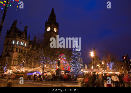 UK, England, Manchester, Albert Square, Continental Christmas Market in front of Town Hall - Stock Photo