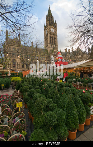 German Market Christmas, Manchester Town Hall Albert Square Greater Manchester England - Stock Photo