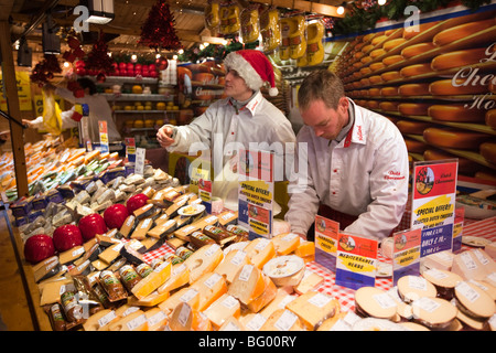 UK, England, Manchester, Albert Square, Continental Christmas Market Dutch cheese stall - Stock Photo