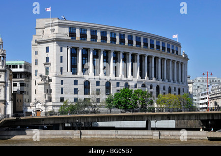Unilever House headquarters building Blackfriars City of London England UK - Stock Photo