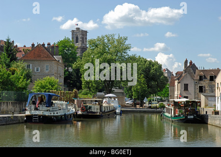 Canal du Nivernais at Clamecy in the Nievre (58) departement of france. - Stock Photo