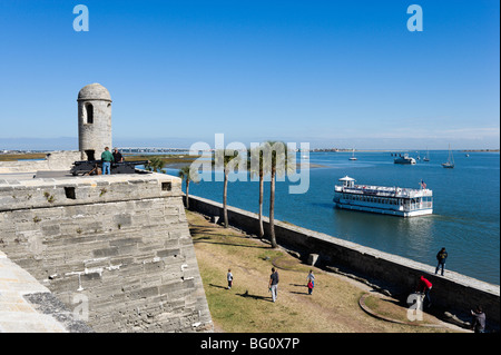 View of a tour boat from the upper level of the historic Castillo de San Marcos, St Augustine, Florida, USA - Stock Photo