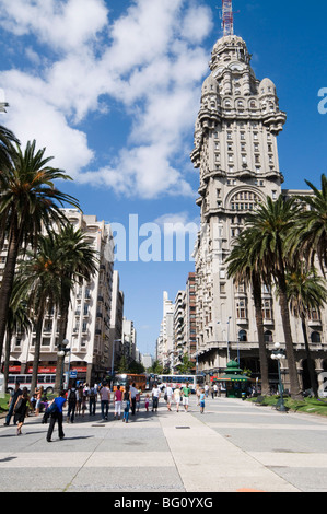 Palacio Salvo, on east side of Plaza Independencia (Independence Square), Montevideo, Uruguay, South America - Stock Photo
