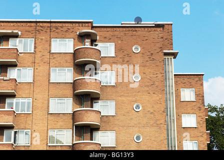 1930s Art-deco styled housing block. Whitechapel, East London, UK - Stock Photo