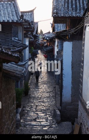 Cobbled streets of Lijiang Old Town, UNESCO World Heritage Site, Yunnan Province, China, Asia - Stock Photo