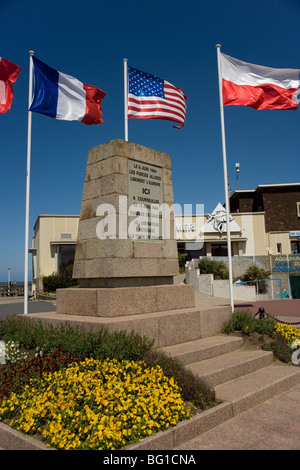 Memorial to General de Gaulle's landing remembering D Day June 1944 at Courseulles by the beach code named Juno - Stock Photo