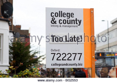 Student Letting sign outside a student house in  Cowley Road in Oxford - Stock Photo