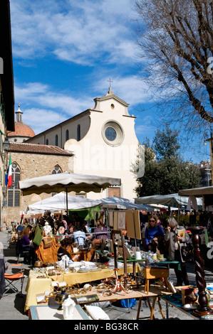 Antiquarian fair, Piazza Santo Spirito, Chiesa di Santo Spirito, Florence (Firenze), UNESCO World Heritage Site, - Stock Photo