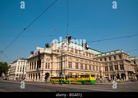 Staatsoper, Ringstraße, Wien, Österreich | Staatsoper (state opera house), Ringroad, Vienna, Austria  - Stock Photo