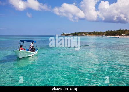 Honduras, Bay Islands, Roatan, West Bay - Stock Photo