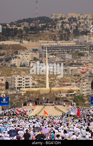 Israel, Galilee, the Pontifical Mass celebrated by His Holiness Pope Benedict XVI  on the Mount of the Precipice - Stock Photo