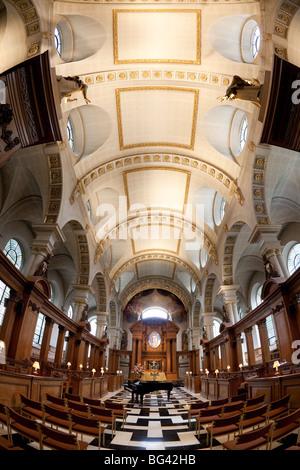 St. Brides Church, Fleet Street, London, England - Stock Photo