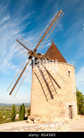 Windmill near Saint Saturnin-les-Apt, Provence, France - Stock Photo