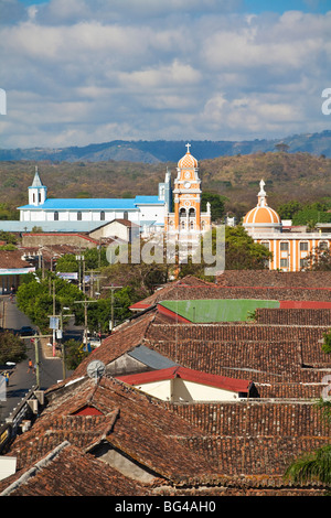 Nicaragua, Granada, Iglesia de la Merced, view over rooftops towards  Iglesia de Xalteva - Stock Photo