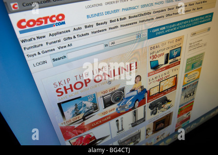 The Costco website features their Cyber Monday sales - Stock Photo