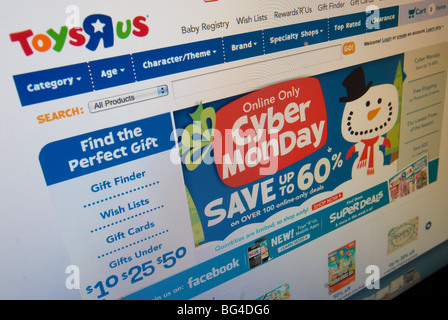 The Toys R Us website features their Cyber Monday sales - Stock Photo