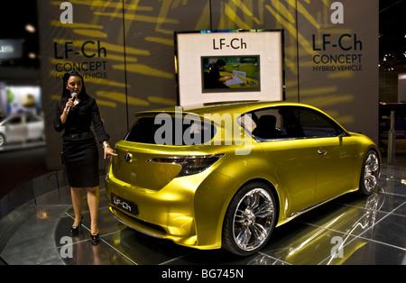 https://l450v.alamy.com/450v/bg745n/the-lexus-lf-ch-concept-na-debut-at-the-2009-la-auto-show-in-the-los-bg745n.jpg