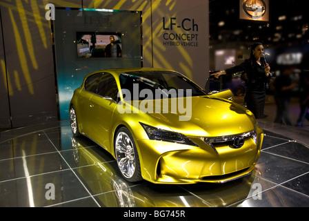 https://l450v.alamy.com/450v/bg745r/the-lexus-lf-ch-concept-na-debut-at-the-2009-la-auto-show-in-the-los-bg745r.jpg