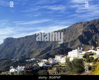 Tejeda, Gran Canaria, Canary Isles, Spain, Europe. Village houses high on mountainside in the Barranco de Tejeda - Stock Photo