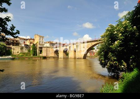 bridge at villeneuve sur lot pont des cieutat stock photo royalty free image 17501563 alamy. Black Bedroom Furniture Sets. Home Design Ideas