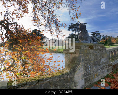 a stately home and lake compton verney warwickshire - Stock Photo