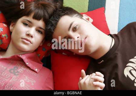 mann frau paar jung teenager teenagerpaar jugendliche verliebt liebe stock photo royalty free. Black Bedroom Furniture Sets. Home Design Ideas