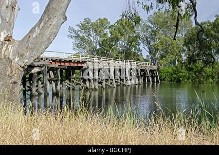 Chinaman's Bridge crossing the Goulburn River near Nagambie, Central Victoria, Australia. - Stock Photo