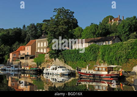 Canal du Nivernais at Clamecy in the Nievre (58) departement of France - Stock Photo