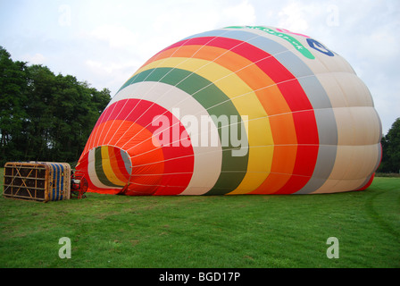 Hot air balloon inflating, Hurley, England - Stock Photo