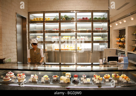 Shop with luxury fruit in Tokyo, Japan, Asia - Stock Photo