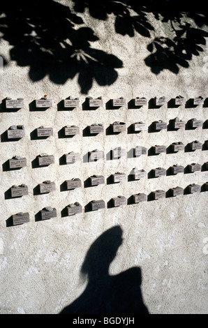 Wall surrounding the Jewish cemetery at Judengassenmuseum in the German city of Frankfurt. - Stock Photo