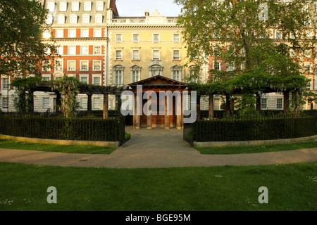 Situated on the east side of Grosvenor Square is the memorial garden to the victims of September 11th 2001. - Stock Photo