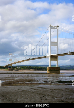 The first Severn Bridge viewed from the English bank of the river at Aust - Stock Photo