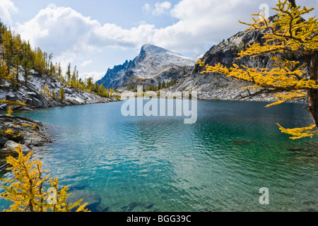 Perfection Lake with Little Annapurna in the background, Enchantment Lakes Wilderness Area, Washington Cascades, - Stock Photo