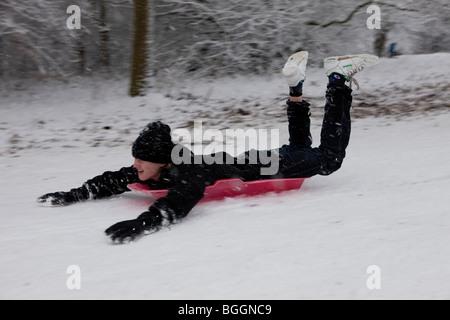 London, England, 6th January 2010: Heavy snow. - Stock Photo