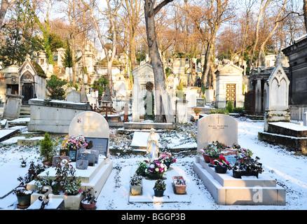 pere lachaise cemetery in Paris - Stock Photo